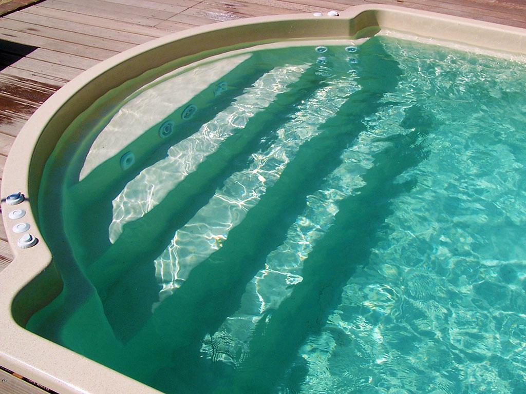 Pool Titan R Treppe
