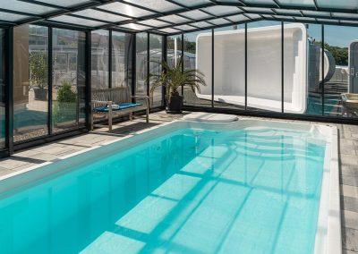 Voll funktionstüchtige Schwimmbecken